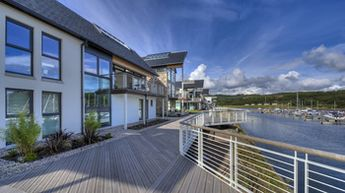 Luxury Apartment Boardwalk and Marina